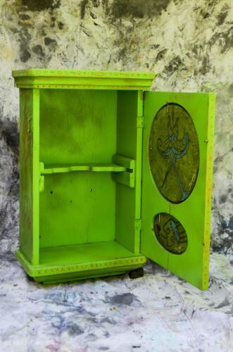 greenclockcab-3