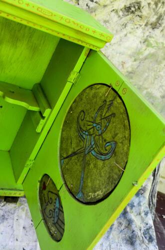 greenclockcab-4
