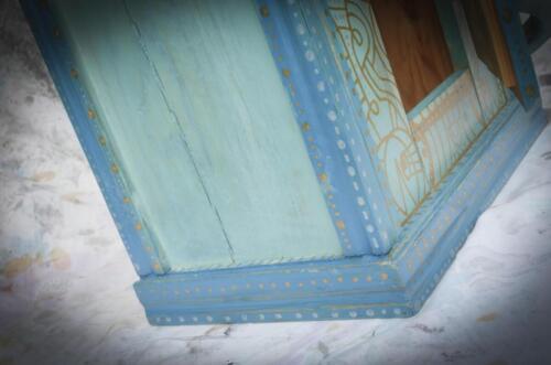 Blått/turkost skåp/ Blue-turqouise Cabinet H: 46.5 cm  B: 32 cm  D: 22 cm  For Sale/ Till Salu  3400:-